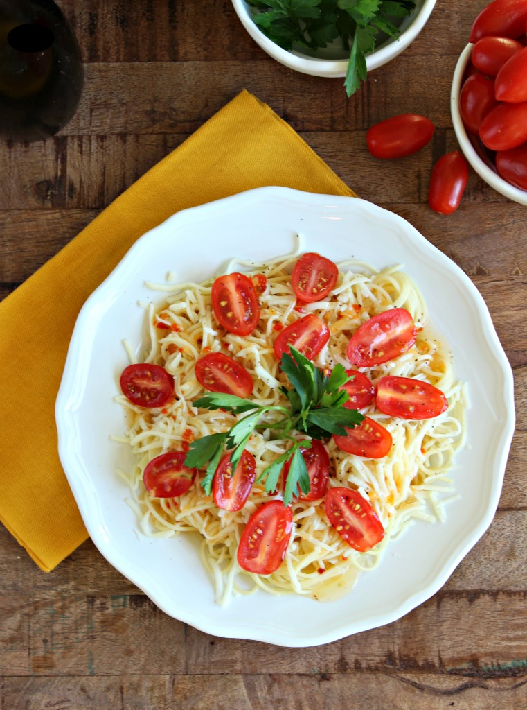 5 ingredient Caprese Pasta