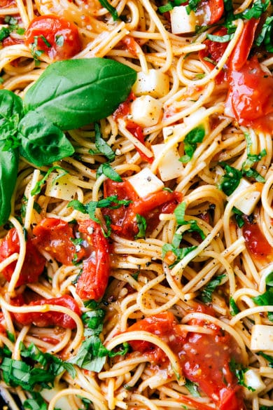Easy Caprese Pasta
