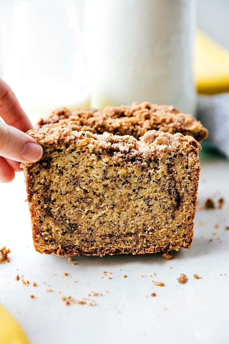 The BEST Banana Bread!! A delicious and easy to make cinnamon-swirled banana bread with a sugared streusel topping. I chelseasmessyapron.com