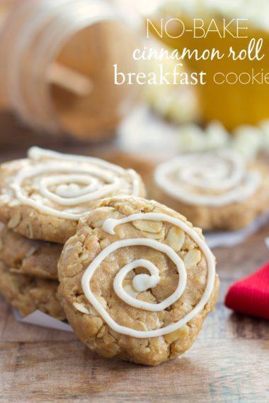(No-bake) Cinnamon Roll Breakfast Cookies