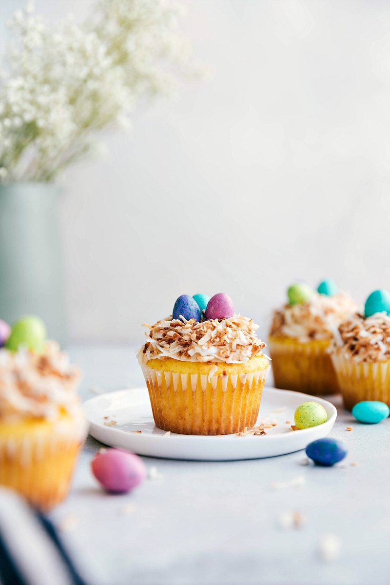 4 bird's nest Easter cupcakes