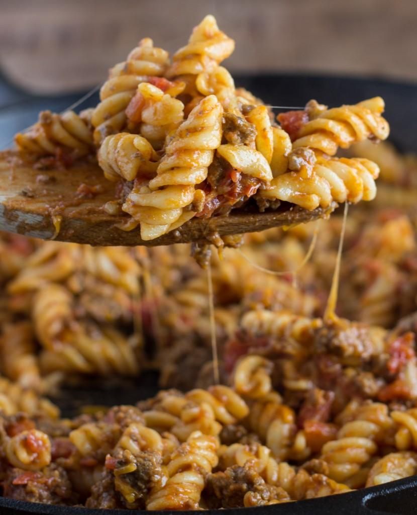 Cheesy Skillet Cheeseburger Pasta