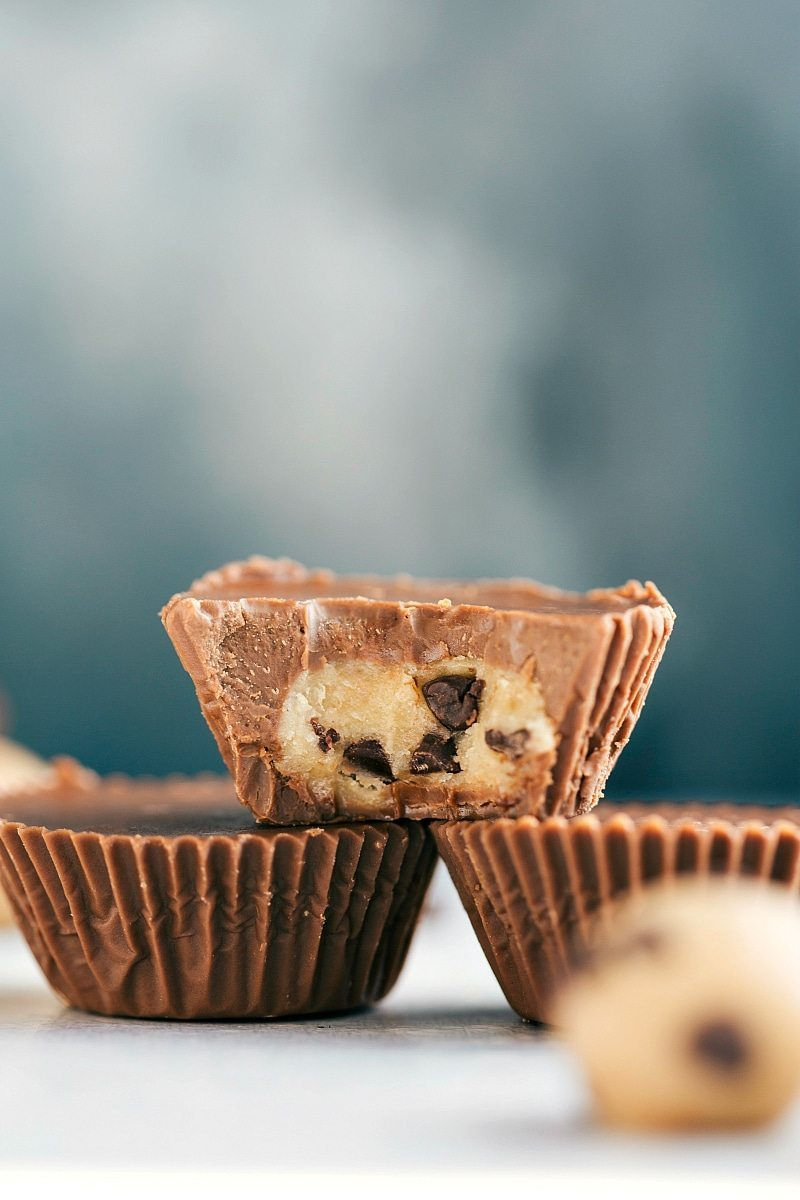 The ultimate BEST EVER edible cookie dough cups!! Completely food safe to eat (cooked flour and no raw eggs!) I chelseasmessyapron.com