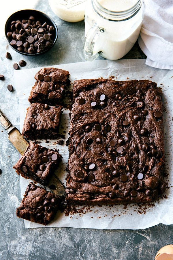 These double-chocolate, fudgy brownies are made with no oil, no butter, and no flour! But the great news is - no weird veggies or beans either! Recipe via chelseasmessyapron.com