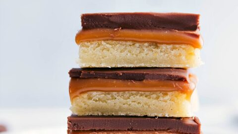 Twix Bar {With a Cookie Base