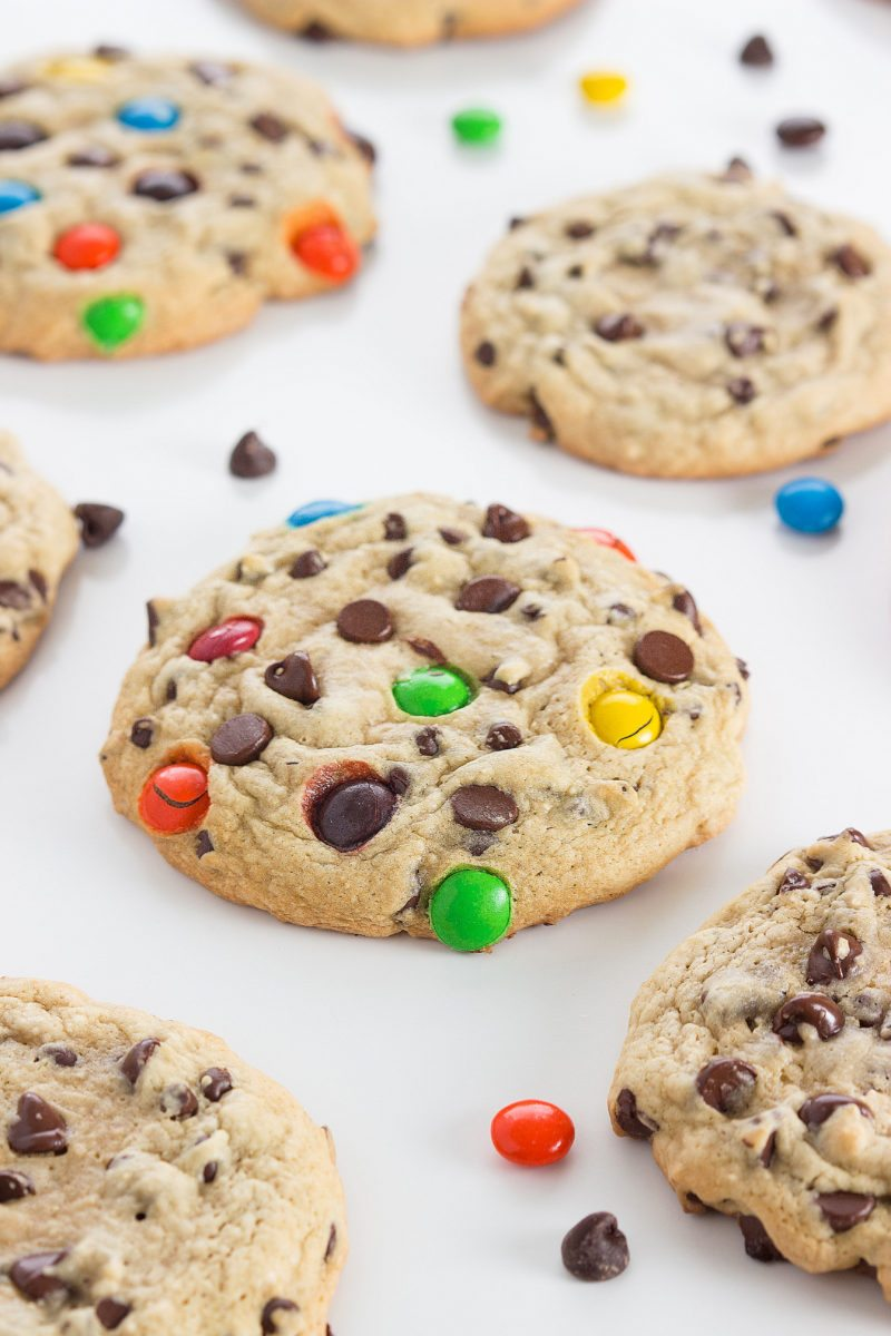 Secret Ingredient} Bakery-Style Chocolate Chip Cookies