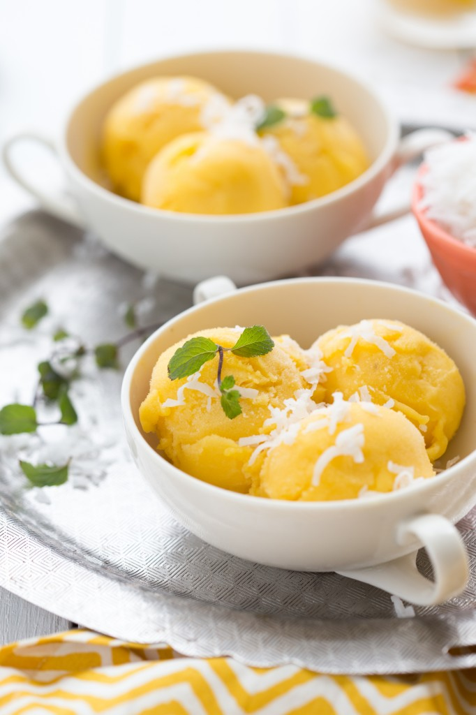 A healthy pineapple mango sorbet - quick and easy to make! I via chelseasmessyapron.com I #pineapple #mango #sorbet