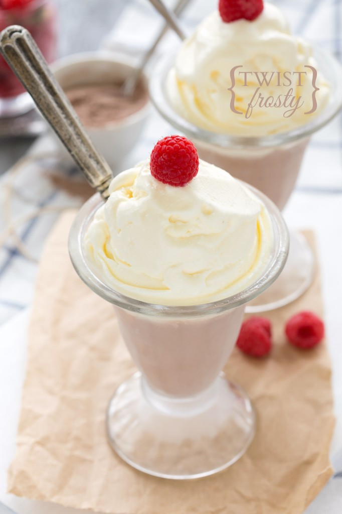Super easy and delicious Vanilla & Chocolate Swirl Frosty! #frosty #dessert #copycat #easy