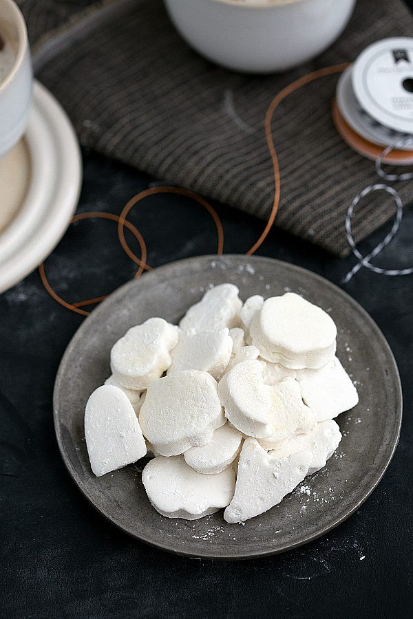 A tutorial with plenty of tips and ticks on how to make the best homemade from-scratch vanilla marshmallows