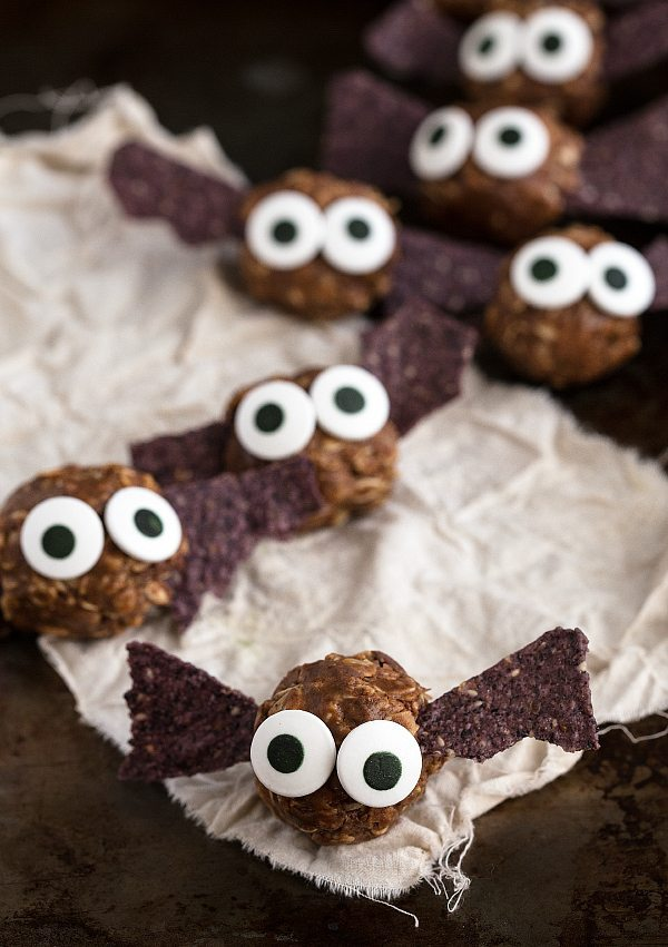 "{Healthy} Halloween Bat Energy Bites + ""Spiders"" on a log #healthy #Halloween #treat #dessert #easy"