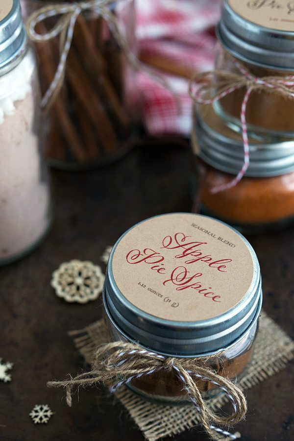 Homemade Spices with free Christmas Printable