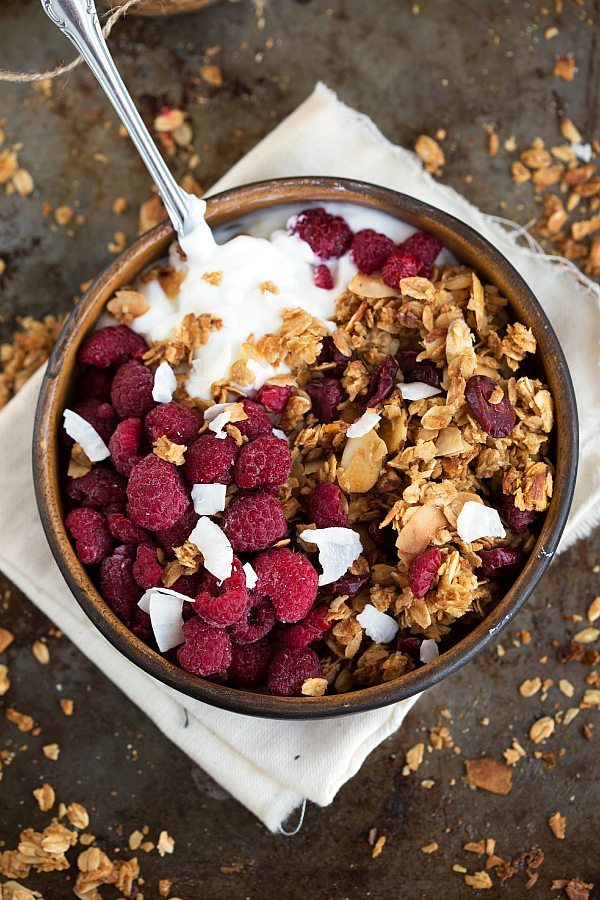 Easy} Toasted Coconut and Honey-Almond Granola | Chelsea's Messy Apron