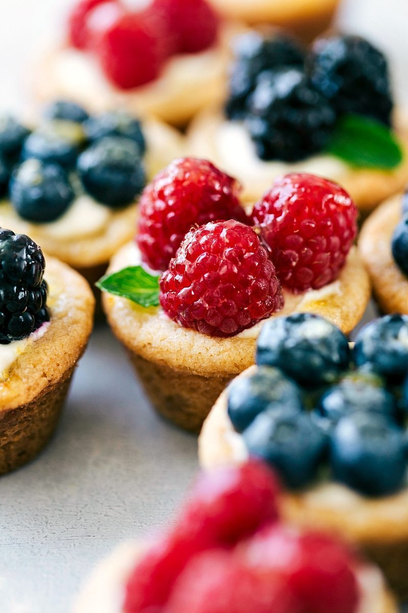sugar cookie fruit tarts - perfect for mother's day