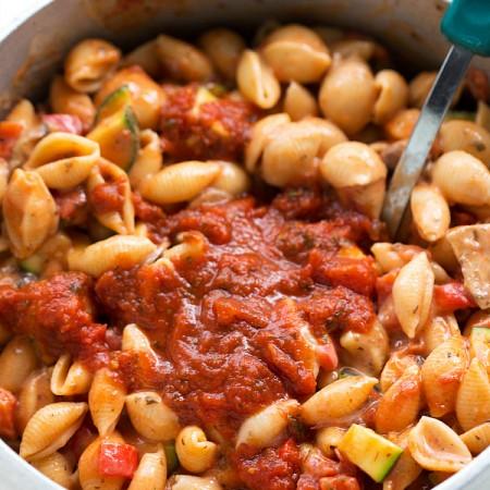 Easy Tomato Basil Pasta with Veggies