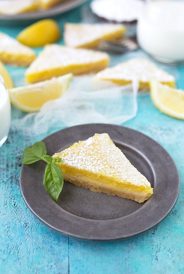 The ultimate tangy and flavorful lemon bar