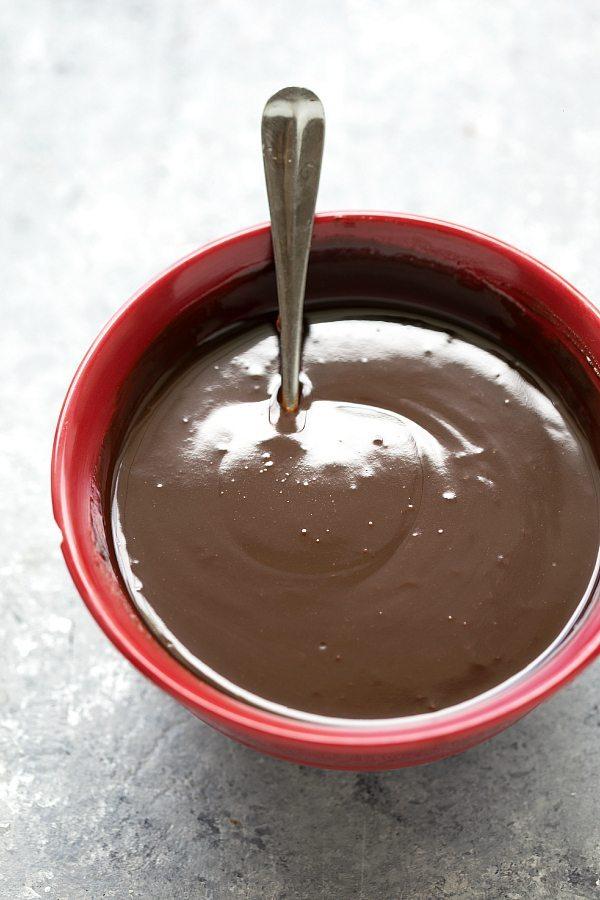 Mint chocolate brownie ice cream bars with mint oreos