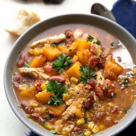 Crockpot healthy chicken and quinoa soup
