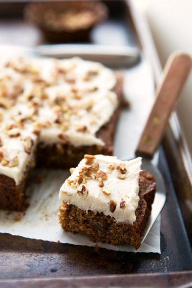 Healthy + Flourless Applesauce Spice Cake