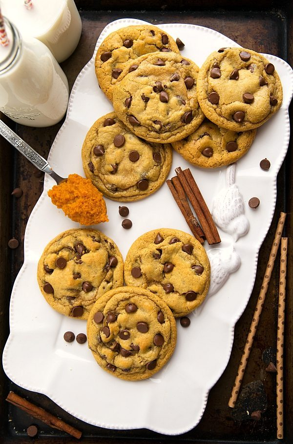 The BEST pumpkin chocolate-chip cookies -- one bowl!