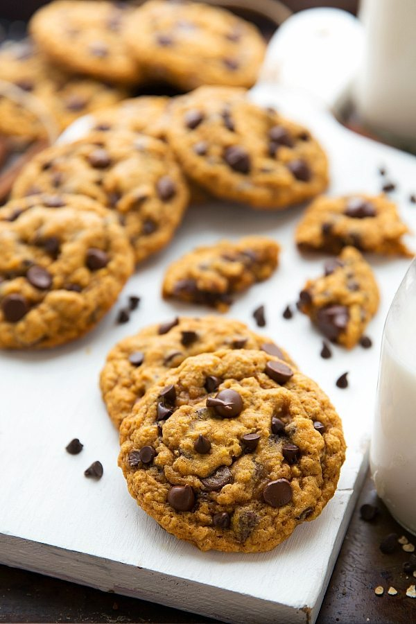 The best non-cakey pumpkin oatmeal chocolate-chip cookies