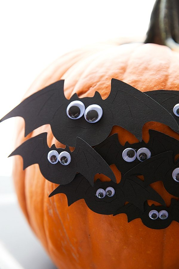 DIY PUMPKIN DECORATING IDEA