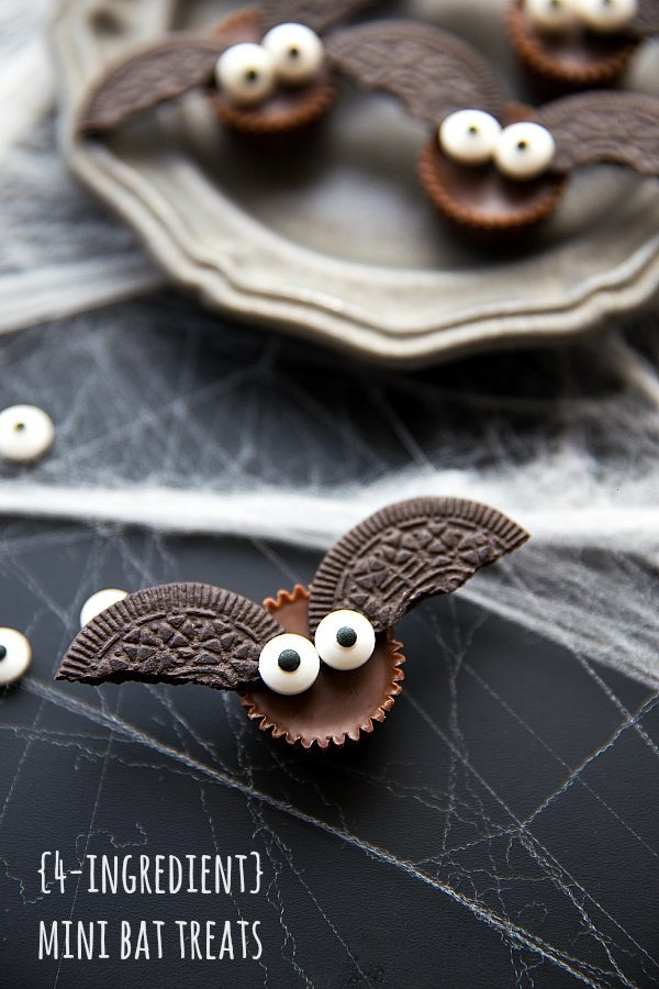 4-Ingredient Mini Bat Treats | Spooky Halloween Dessert Ideas