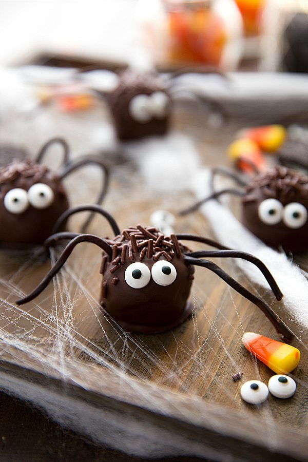 Easy Spider Oreo Balls Candy Corn Punch Chelsea's Messy Apron Amazing How To Decorate Oreo Balls
