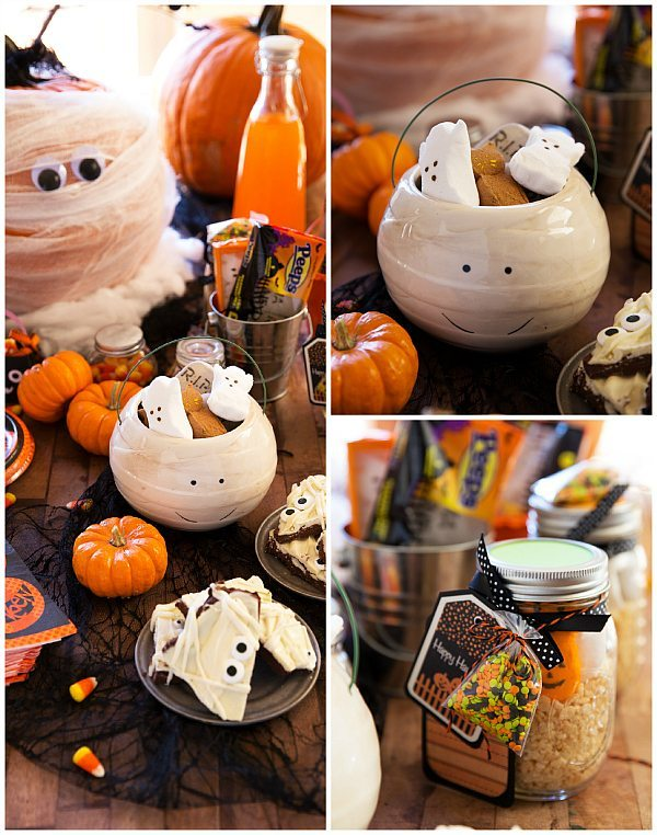 Mummy Halloween Table