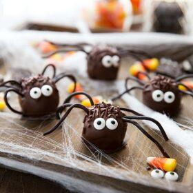 Oreo truffle Halloween spiders!