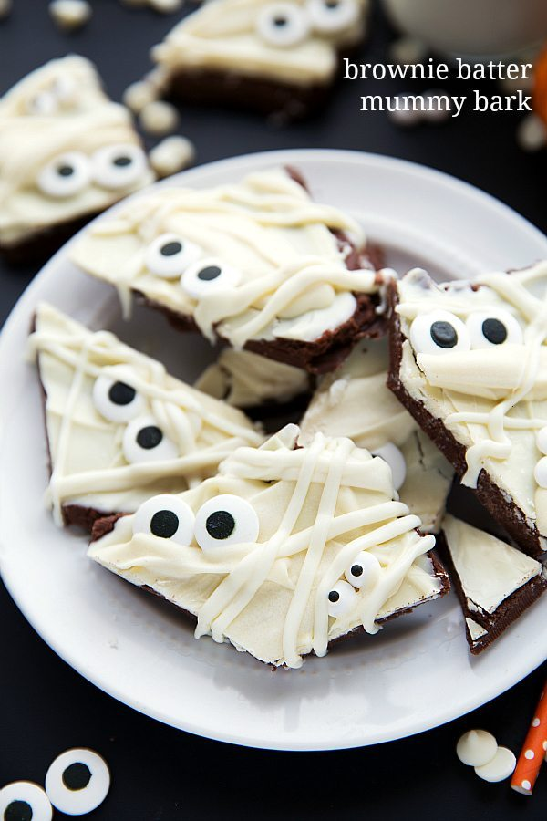 super simple and easy halloween treat brownie batter mummy bark