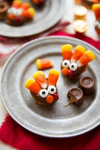 Turkey Chocolate Caramel Pretzels (Video)