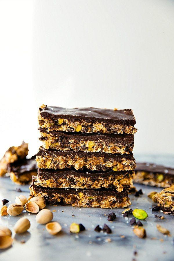 Dark Chocolate Pistachio Granola Bars