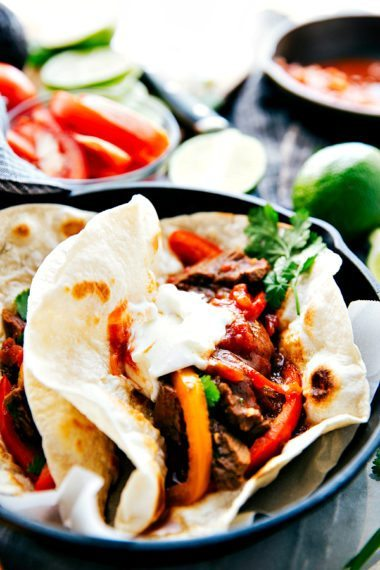 Delicious slow-cooked and tender steak fajitas with sweet bell peppers. Tons of flavor all the ease in preparation!