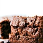HEALTHY GREEK YOGURT CHOCOLATE BANANA BREAD! A delicious and moist chocolate banana bread made with healthier ingredients! One bowl, no mixers required!