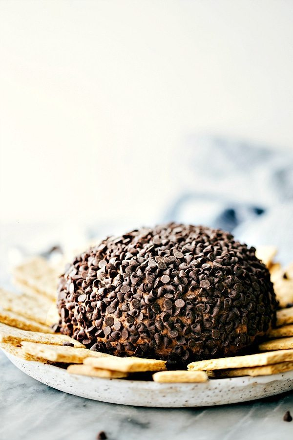 """SIMPLE and delicious brownie """"batter"""" Dessert Cheesecake Ball!"""