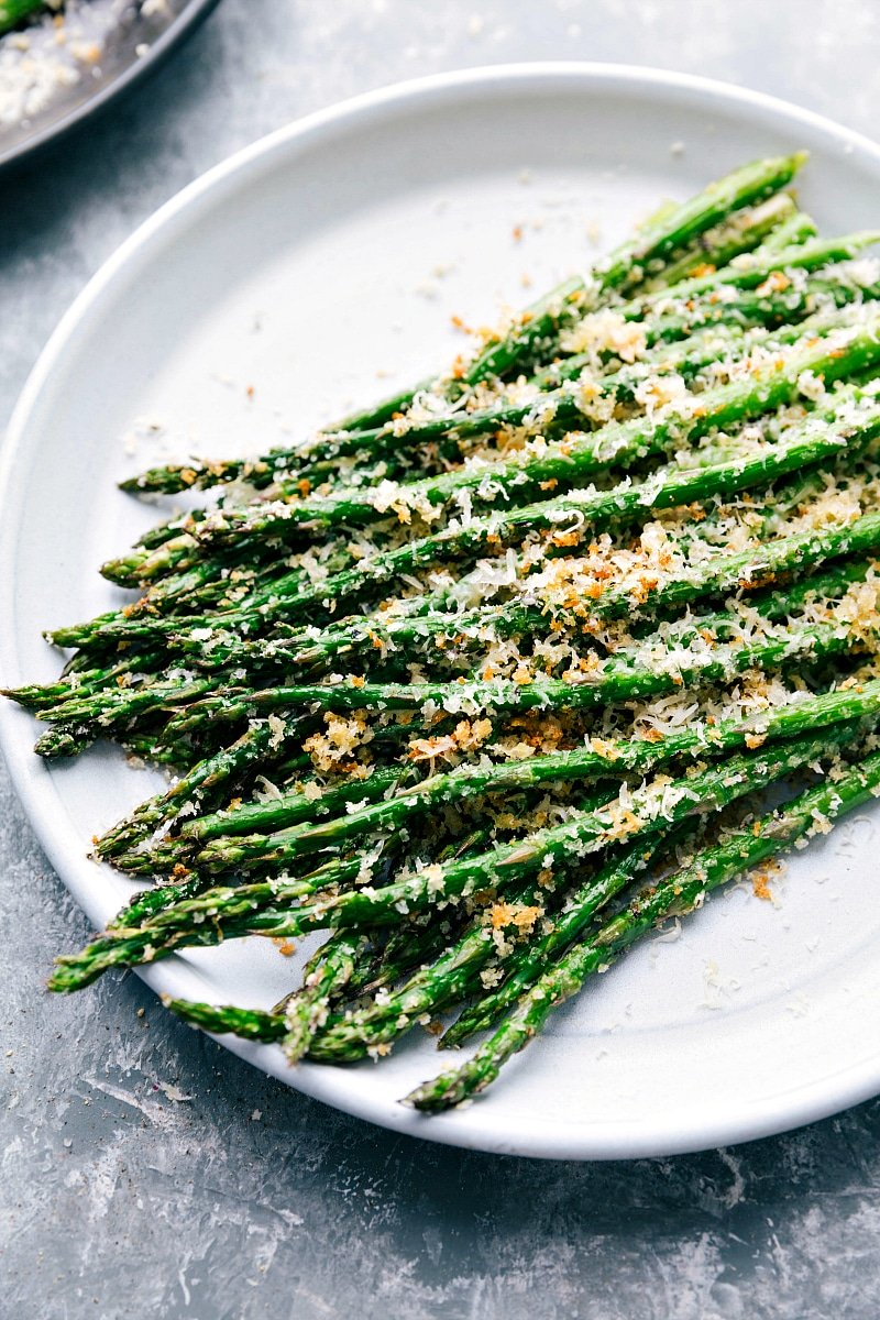 Finished Roasted Asparagus on a plate.