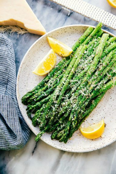 Easy Oven Roasted Parmesan Asparagus (Video)