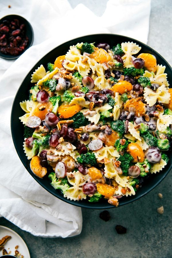 The best ever BROCCOLI PASTA SALAD. Quick to make, 5-ingredient dressing, and sure to be a hit! Via chelseasmessyapron.com
