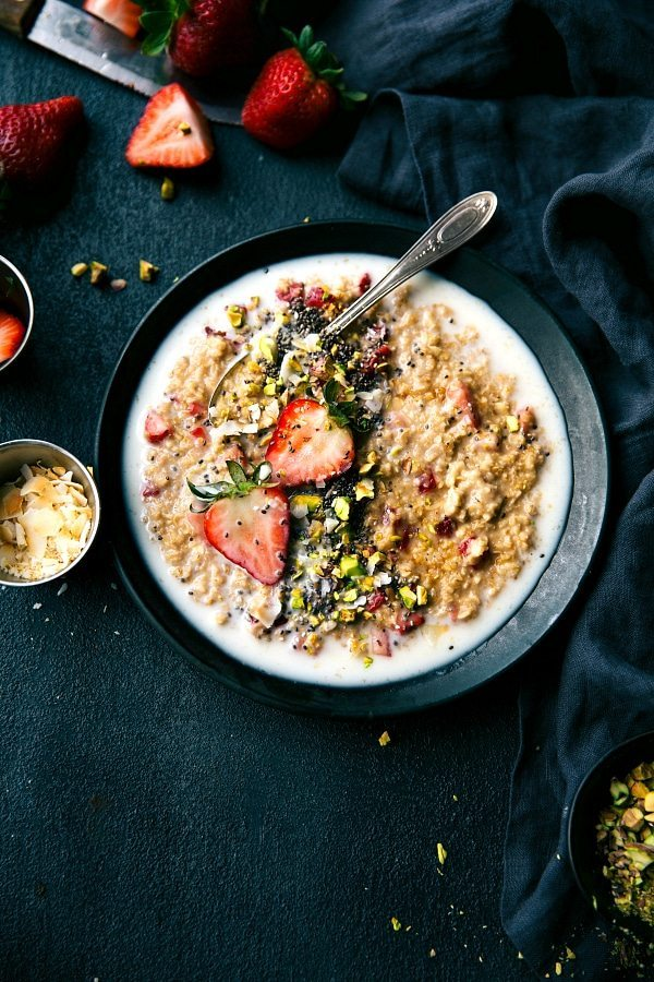 """""""The BEST oatmeal I've ever tried!"""" 5-minute easy breakfast idea. Strawberries and Cream Oatmeal loaded up with tons of good-for-you ingredients and all the ease of preparation! via chelseasmessyapron.com"""