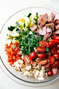 Italian Chicken Pasta Salad via chelseasmessyapron.com
