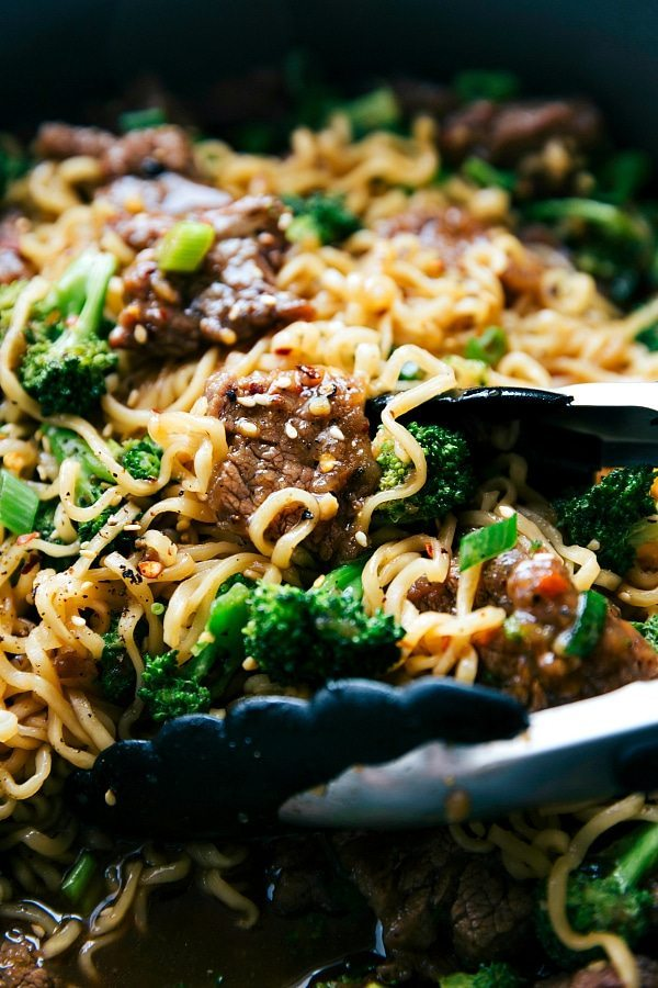 Skillet beef and broccoli ramen chelseas messy apron a delicious the best way to enjoy beef and broccoli over ramen noodles a delicious forumfinder Image collections