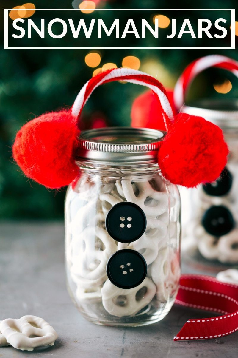 Four easy and creative mason jar CHRISTMAS treat gift ideas. A grinch jar, santa jar, reindeer jar, and snowman jar! Via chelseasmessyapron.com