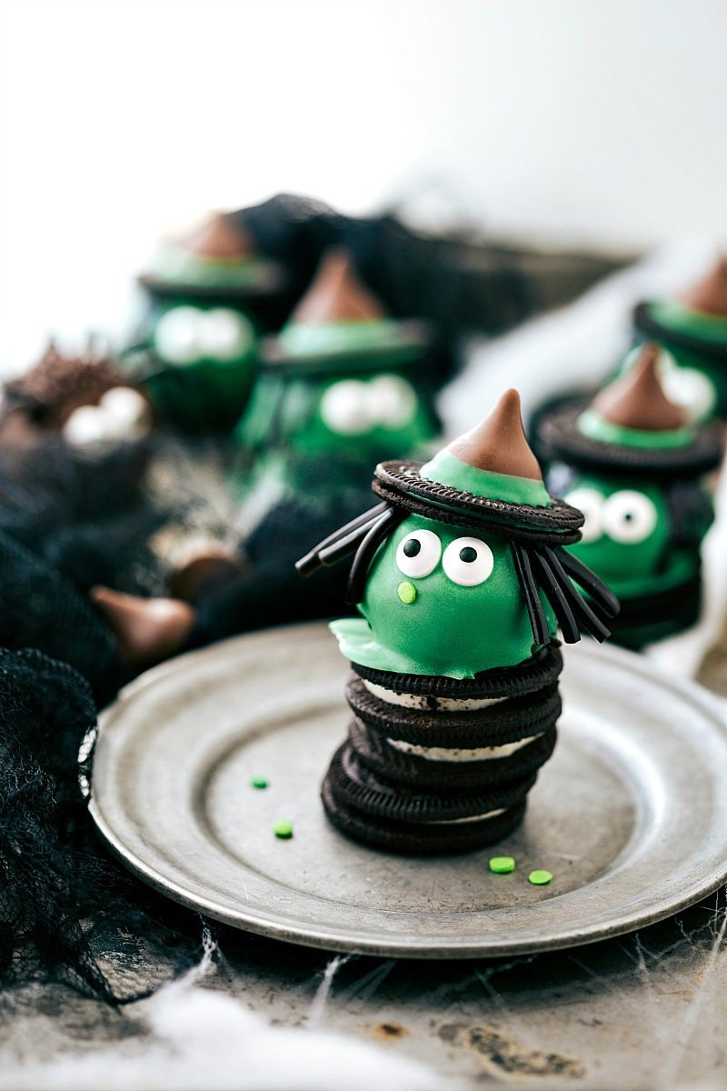 WITCH OREO BALL: Four different ways to dress up an oreo ball for Halloween -- a witch, spider, frankenstein, and an owl. Easy and delicious treats that are perfect for a party! via chelseasmessyapron.com