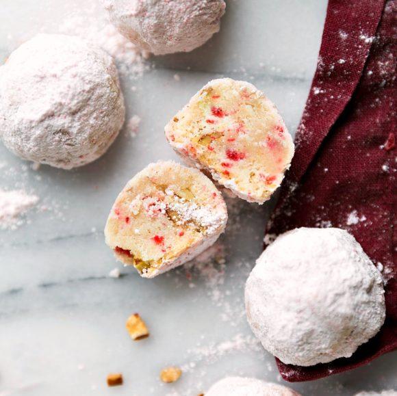 easy-pecan-snowballs