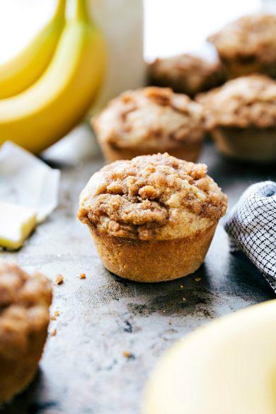 The BEST Banana Crumb Muffins