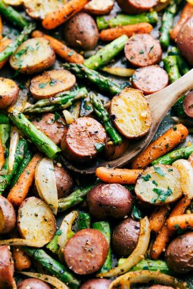 (One Pan) Roasted Garlic Potatoes, Asparagus, and Sausage