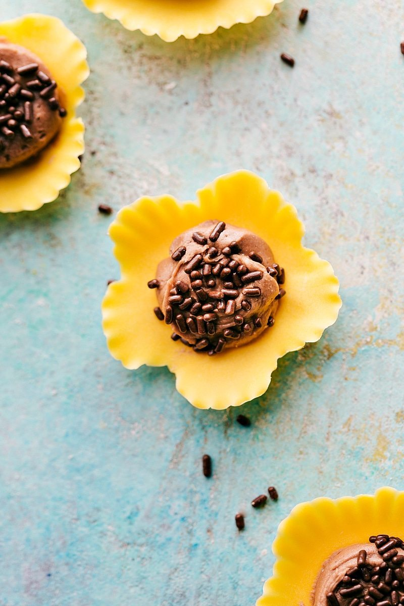 "Four simple themed ""Flower Treats"" that are perfect for Mother's Day or Spring celebrations! Rose Cake Pops, Lemon Curd Cookie Cups, Flower Cookie Pops, & Sunflower Nutella Frosting Bites. via chelseasmessyapron.com"