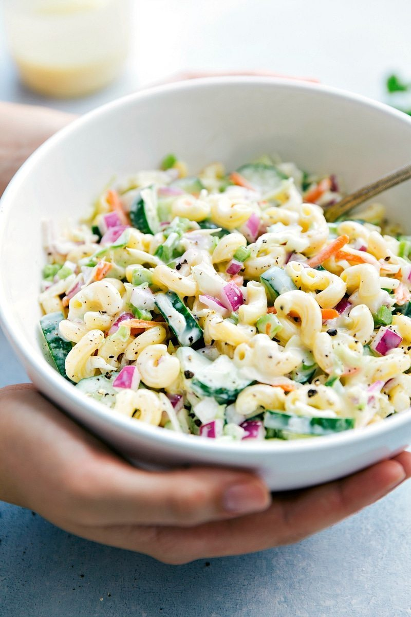 Macaroni Coleslaw Salad: Two amazing summer side-dishes collide into one insanely tasty Macaroni Coleslaw Salad! Perfect for a potluck or summer get-together! I from chelseasmessyapron.com