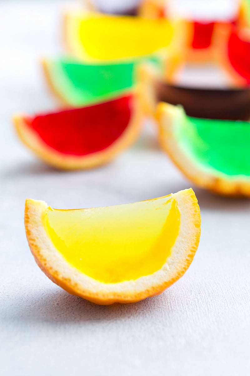 Jell-o filled orange segments. PLUS 3 other no bake desserts and a video tutorial. via chelseasmessyapron.com
