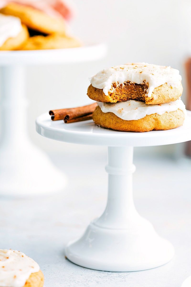 The BEST bakery-style soft-baked pumpkin cookies with cream cheese frosting! chelseasmessyapron.com